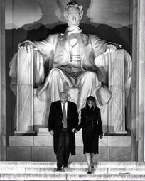 Trump and Melania in front of Abe Lincoln statue.jpg